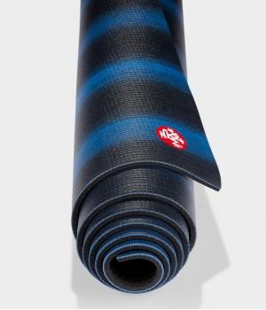 Коврик для йоги из ПВХ Manduka PROlite 180*61*0,47 см - Black Blue Colorfields (Limited Edition)